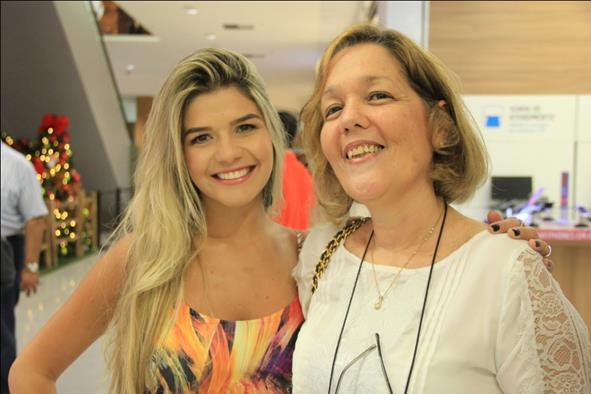 Eduarda Diniz e Monica Pitt. Crédito: Luiz Fabiano/Divulgação
