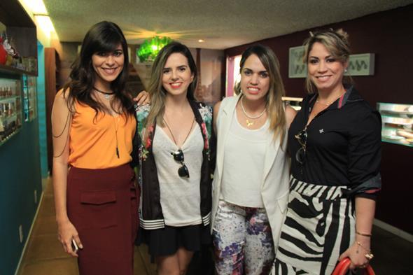 Milka Elys, Evelyne Maia, Rapha Torres e Ana Karla Assis. Crédito: Luiz Fabiano/Divulgação