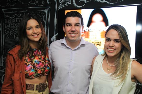 Rebeka Guerra, Gilberto Miranda e Rapha Torres. Crédito: Luiz Fabiano/Divulgação