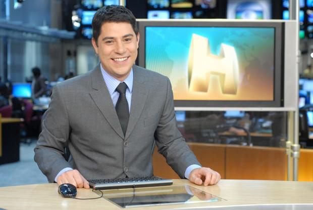"Evaristo Costa na bancada ""Jornal Hoje"". Crédito: Zé Paulo Cardeal/TV Globo"