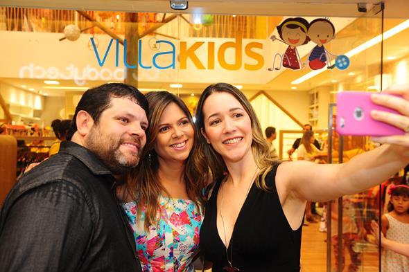Vital Costa, Isis Lopes e Bruna Lobo. Crédito: Armando Artoni/Divulgação