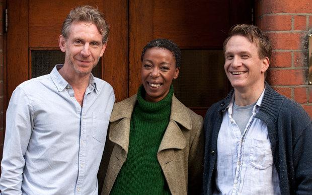 Jamie Parker, Noma Dumezweni e Paul Thornley, os novos atores de Harry Potter. Créditos: reprodução internet