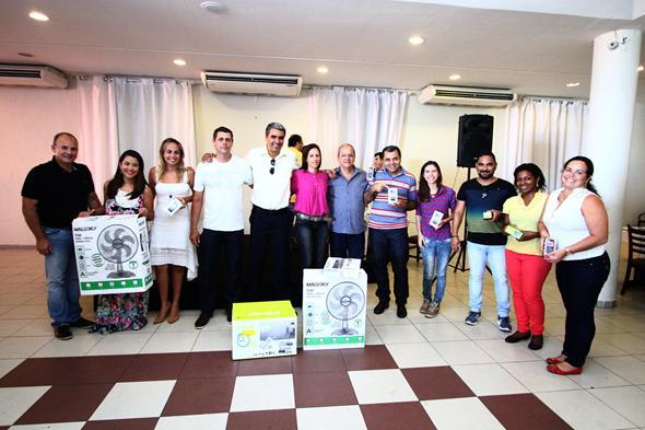 Alguns dos vencedores com seus prêmios Créditos: Paulo Paiva/ DP/DA Press