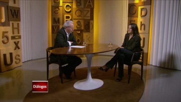 Joanna Maranhão é entrevista por Mario Sergio Conti. Crédito: Reprodução/Globo News