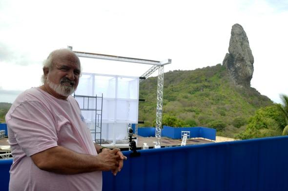 Zé Maria perto da estrutura que está sendo montada para a festa Créditos: Keila Castro/Divulgação