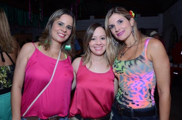 Viviane Pinheiro, Juliana Montenegro e Cristiana Paes. Crédito: Larissa Nunes / Divulgação