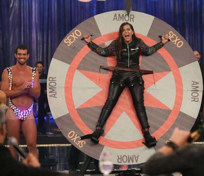 Anitta em uma das brincadeiras de Amor & Sexo - Foto: Carol Caminha/Gshow