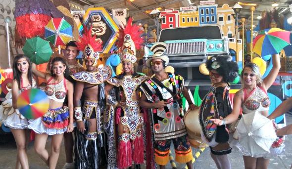 Algumas das fantasias que estarão no desfile do Galo - Crédito: Marília Gouveia/DP