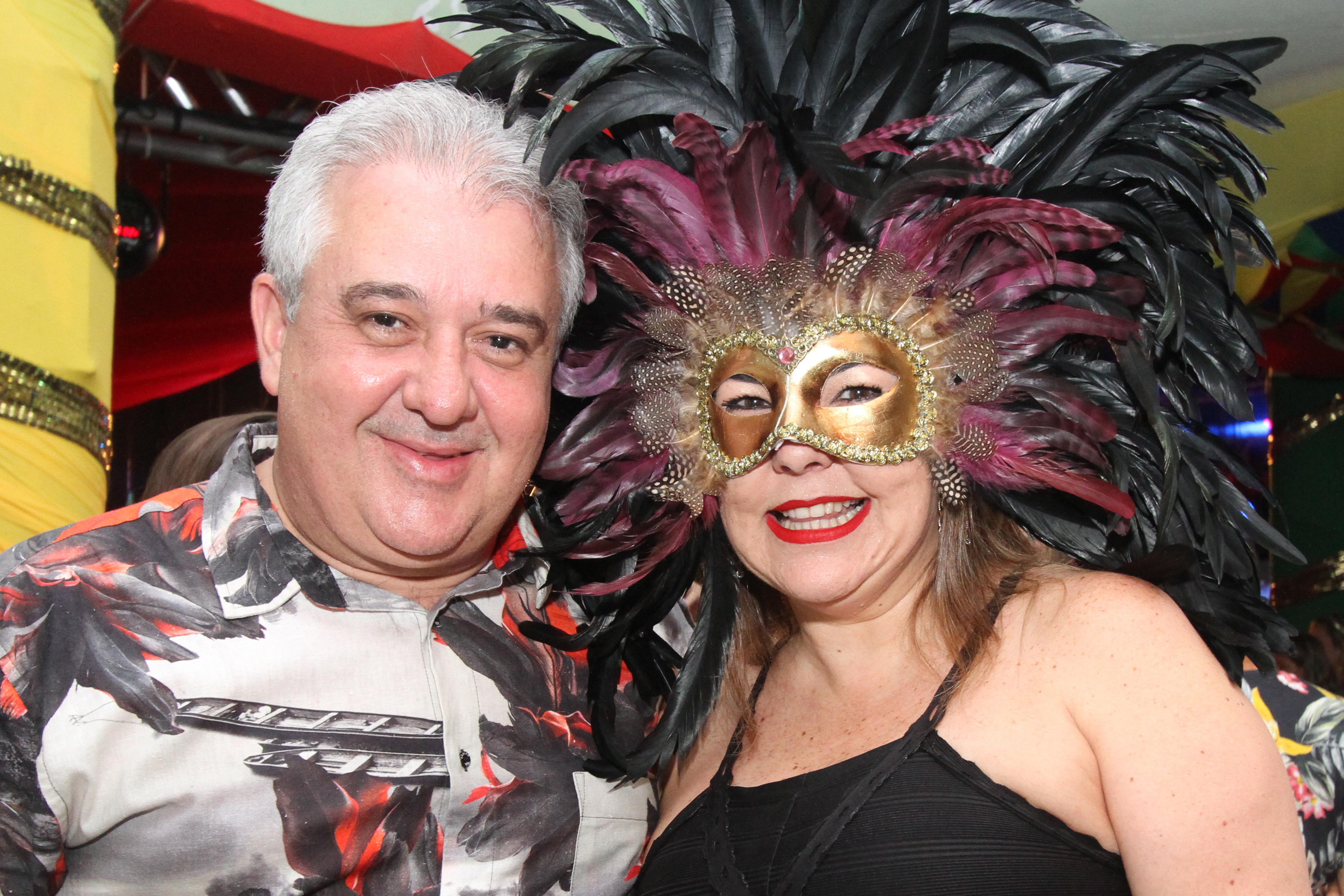 Augusto Coutinho e Isabela - Crédito: Nando Chiappetta/DP