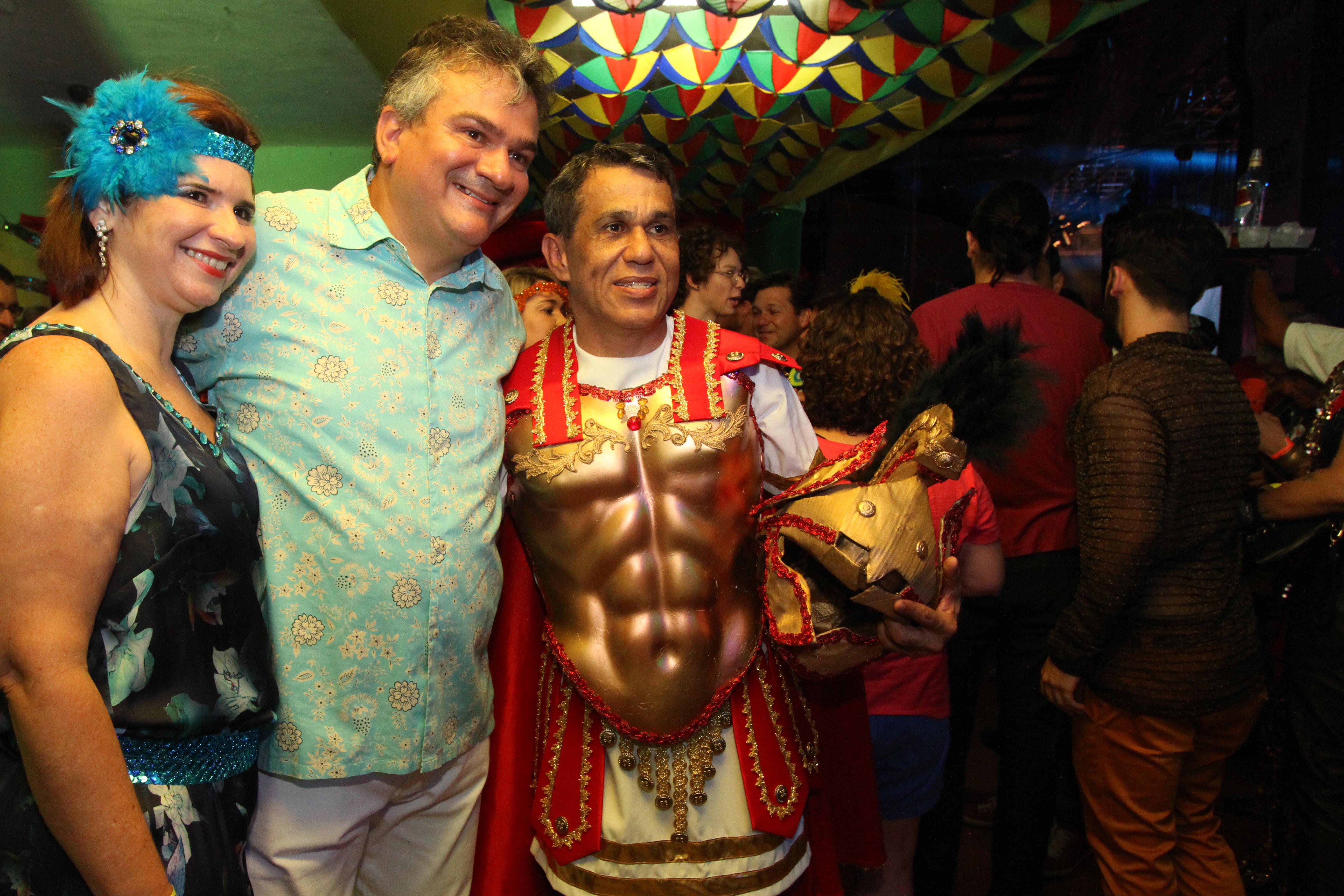 Ana Paula, Augusto Carreras e Zezo - Crédito: Nando Chiappetta/DP