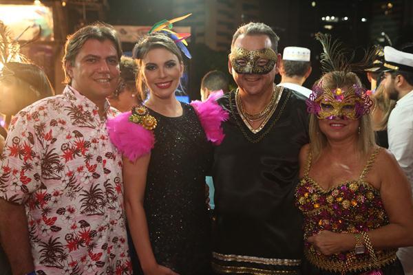 Vinicius Sombra, Michelle Gil Rodrigues, Mario Gil e Dina - Crédito: Hesíodo Goes/Esp. DP