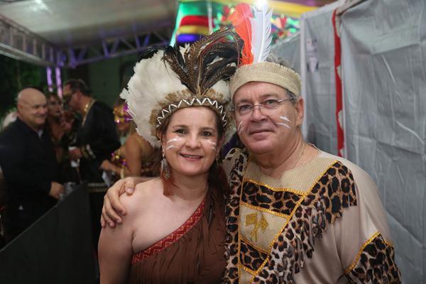 Elizabeth e Carlos Gil - Crédito: Hesíodo Goes/Esp. DP
