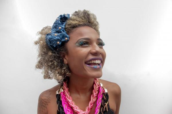 A Mercearia da Beleza promete muito brilho nas makes do carnaval - Crédito: Larissa Nunes/Divulgação