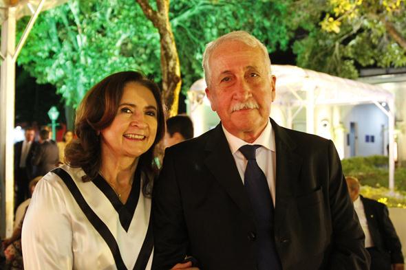 Antonio Jayme da Fonte e Marilene Araruna. Crédito: Ricardo Fernandes / DP