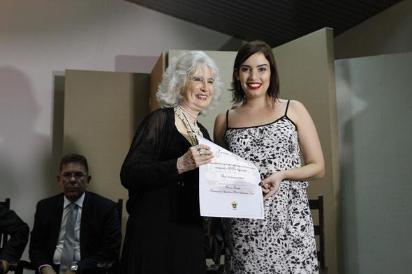 Fátima Quintas e Larissa Lins. Crédito: Ricardo Fernandes / DP