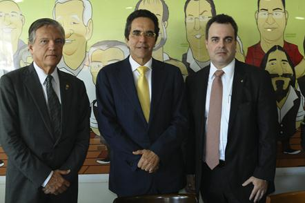 Eurico Barros Correia Filho, Maurício Rands e Carlos Alberto Teixeira Júnior no Rotary Recife. Crédito: João Velozo / DP
