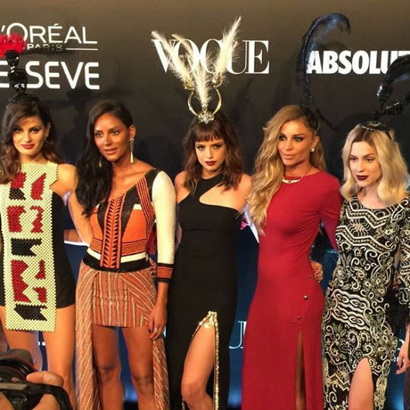 Isabeli Fontana, Emanuela de Paula, Agatha Moreira, Grazi Massafera e Sophia Abrahão. Foto: Reprodução/@garotasestupidas