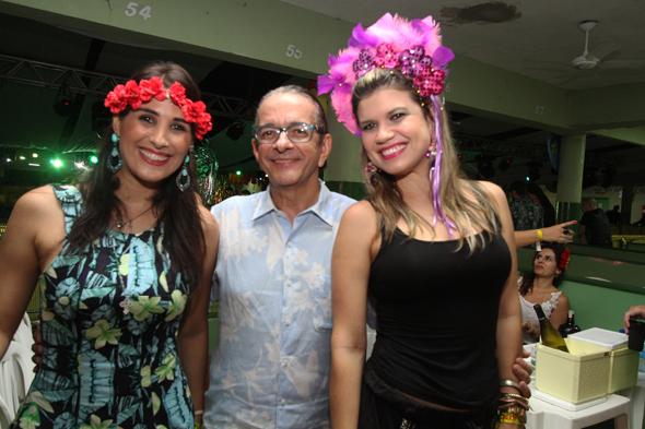 Carolina Oliveira, Antonio Lavareda e Manuella Leite - Credito: Nando Chiappetta/DP - BLOG JA