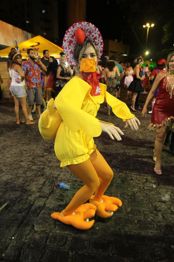 Mayara Pinto de galinha - Crédito: Nando Chiappetta/DP - BLOG JA