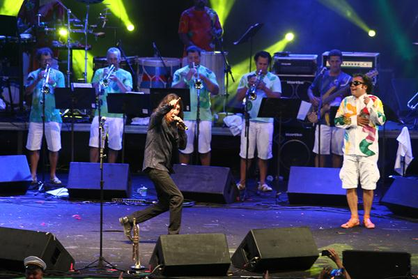 Lenine e Maestro Forró no palco do Classic Hall - Crédito: Paulo Paiva/DP