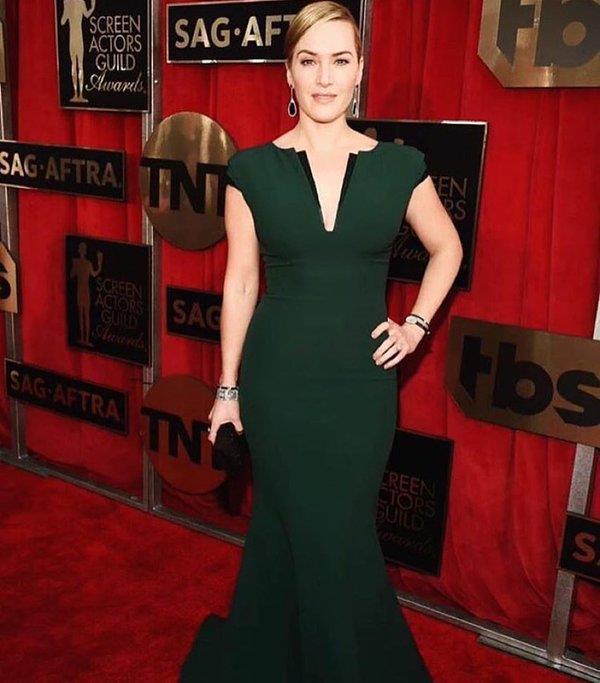 Kate Winslet, mais sóbria, de verde - Crédito: Reprodução/Facebook
