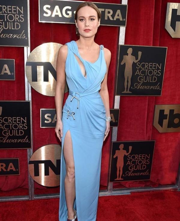 Brie Larson investiu nos recortes - Crédito: Reprodução/Facebook