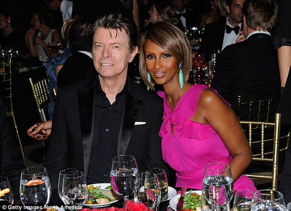 David Bowie e sua mulher Iman - Crédito: Reprodução