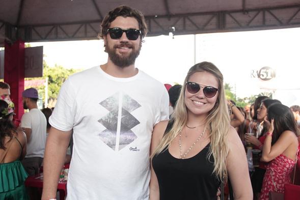 Bruno Melo e Karen Lucato. Crédito: Larissa Nunes / Divulgação