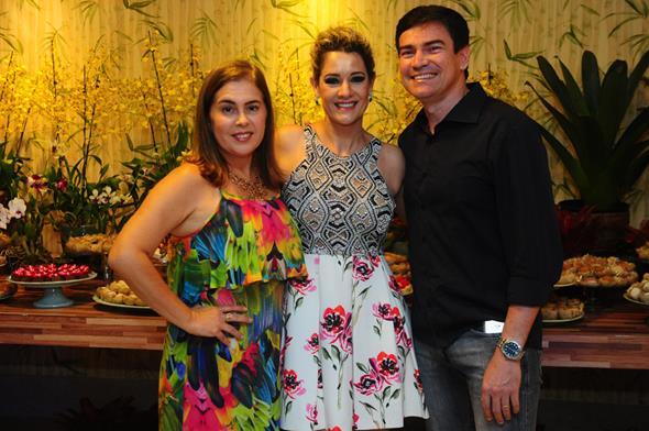 Gilma Barbosa, Sandra Janguiê e Guel Barbosa - Crédito: Armando Artoni/Divulgação