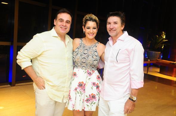 Oscar Vilaça, Sandra Janguiê e João Janguiê - Crédito: Armando Artoni/Divulgação