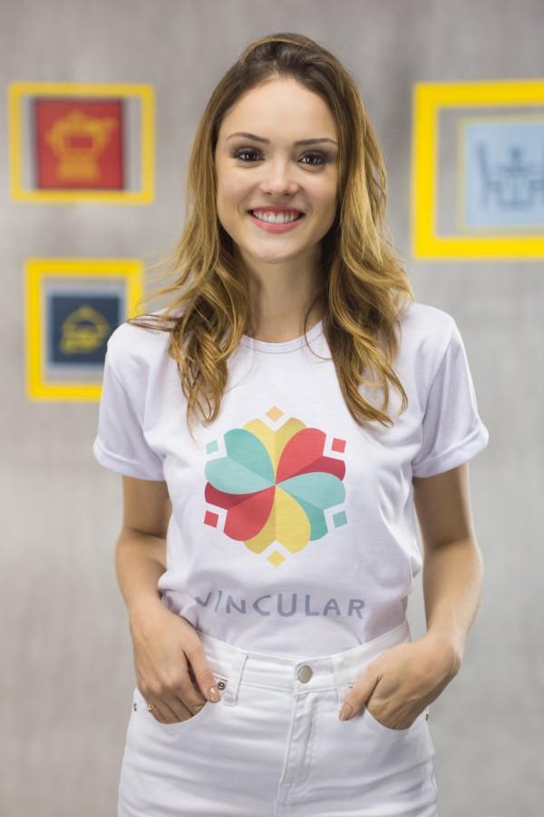 Isabelle Drummond gravou vídeo para o Projeto Vincular - Crédito: Divulgação