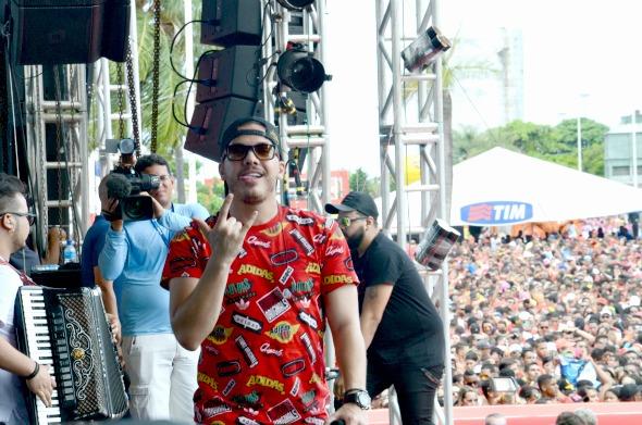 Wesley Safadão no palco do Olinda Beer - Crédito: Communik/Divulgação