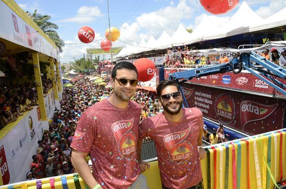 Sergio Marone e Armando Babaioff - Crédito: José Marcos/Divulgação