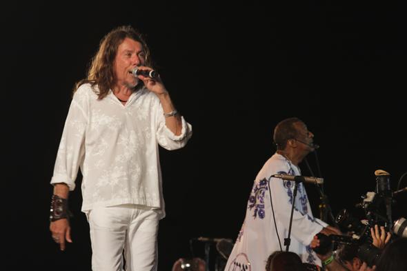 Lenine subiu ao palco com Naná Vasconcelos - Crédito: Roberto Ramos/DP