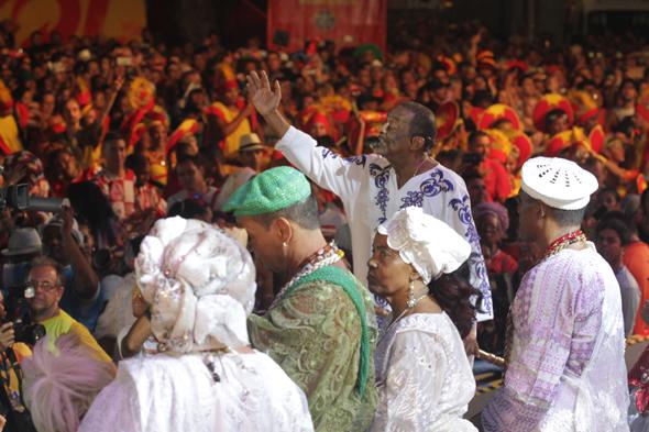Naná Vasconcelos comandou a abertura do Carnaval do Recife - Crédito: Roberto Ramos/DP.