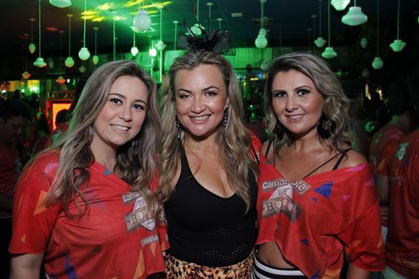 Stennia Bezerra, Fabia Silva e Cátia Dantas - Crédito: Jonas Liberato/ Vagalume Comunicação