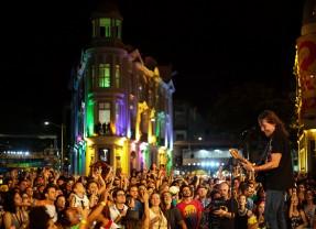 Lenine foi o destaque dos shows no Marco Zero no Sábado de Zé Pereira
