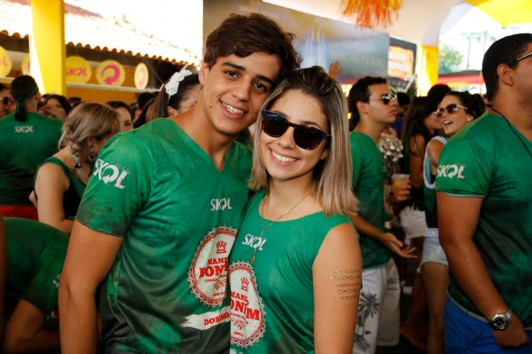 Felipe Vasconcelos e Camilla Torres. Crédito: Jonas Liberato/Divulgação