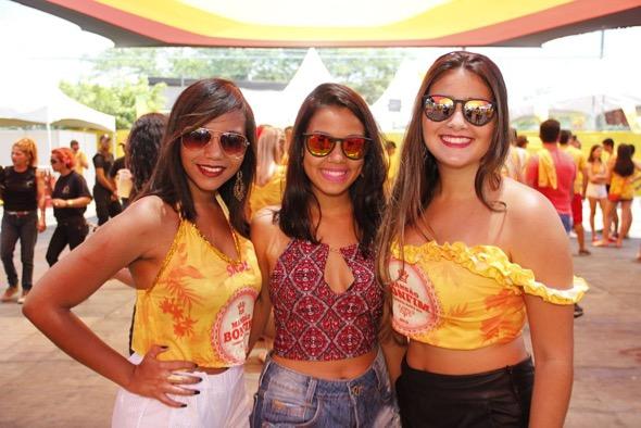 Amanda Lopes, Rayana Rosendo e Manu Color. Crédito: Jonas Liberato / Divulgação