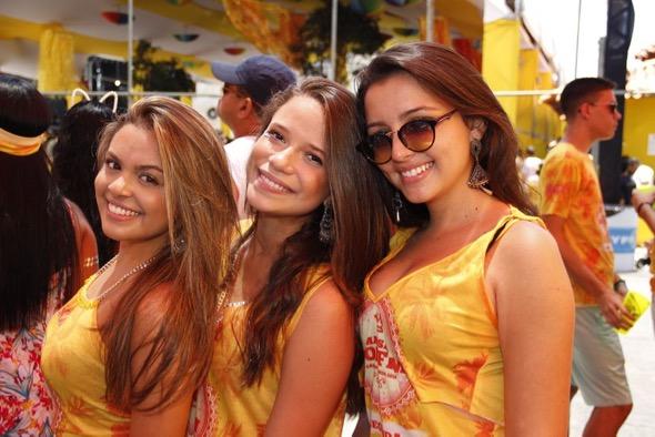 Isabela Koon, Isabel Ramos e Rebeca Pime. Crédito: Jonas Liberato / Divulgação