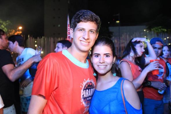 João Campos e Lara Santana Crédito: Luiz Fabiano / Divulgação