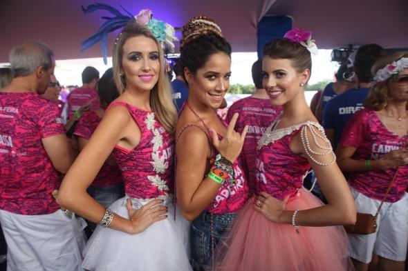 Bruna Monteiro, Renata Barroca e Duda Dubeux. Crédito: Vinícius Ramos / Divulgação