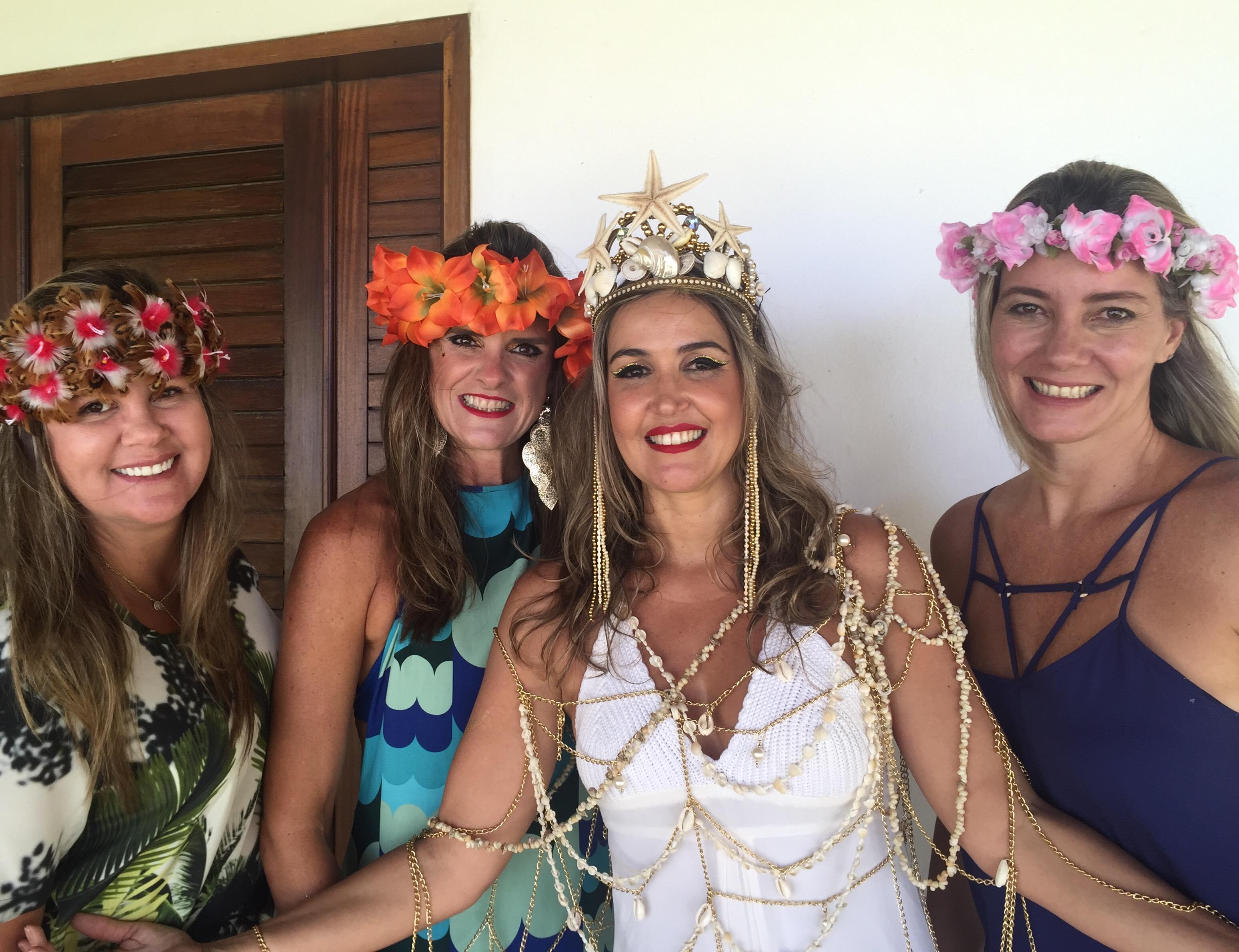 Com a irã Alessandra e as amigas Ivete Lacerda e Gabriela Pontual
