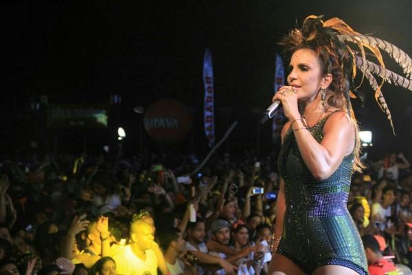 Ivete Sangalo se apresentou pela primeira vez no carnaval do Recife este ano - Crédito: Luiz Fabiano/Comunnik/Divulgação
