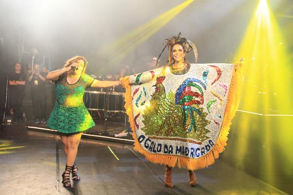 Nena Queiroga também fez participação no show Crédito: Luiz Fabiano/Comunnik/Divulgação