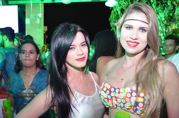 Adele Carvalho e Camila Cavalcanti. Crédito: Gil Alves/Divulgação