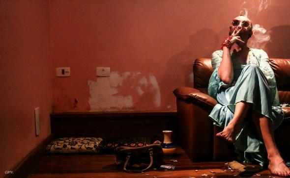 """Cena da peça """"Réquiem para um rapaz triste"""". Crédito: Carlos Valle/Divulgação"""