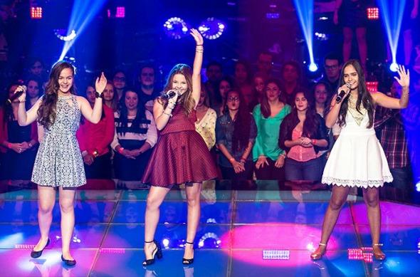 Andréa Vitória, Júlia Gomes e Lou Garcia na primeira Batalha do The Voice Kids. Crédito: Isabella Pinheiro/Gshow