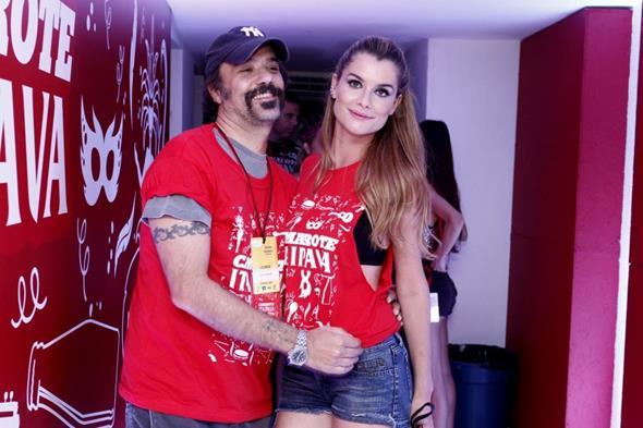 Aline Morais e o marido Crédito: Alex Palarea/Divulgação