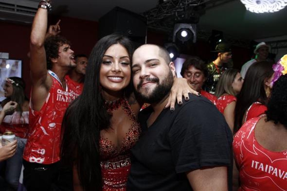 Aline Riscado e Thiago Abravanel Crédito: Alex Palarea/Divulgação